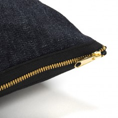 coussin_jeans_black_gold_closeUp